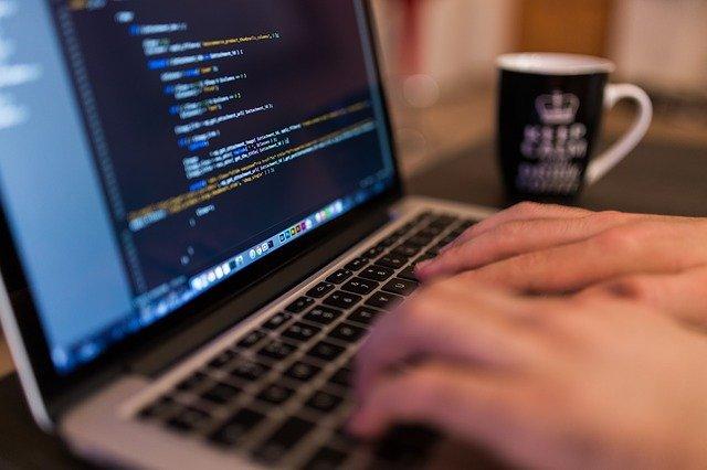 Comment se fait la création d'un logiciel?